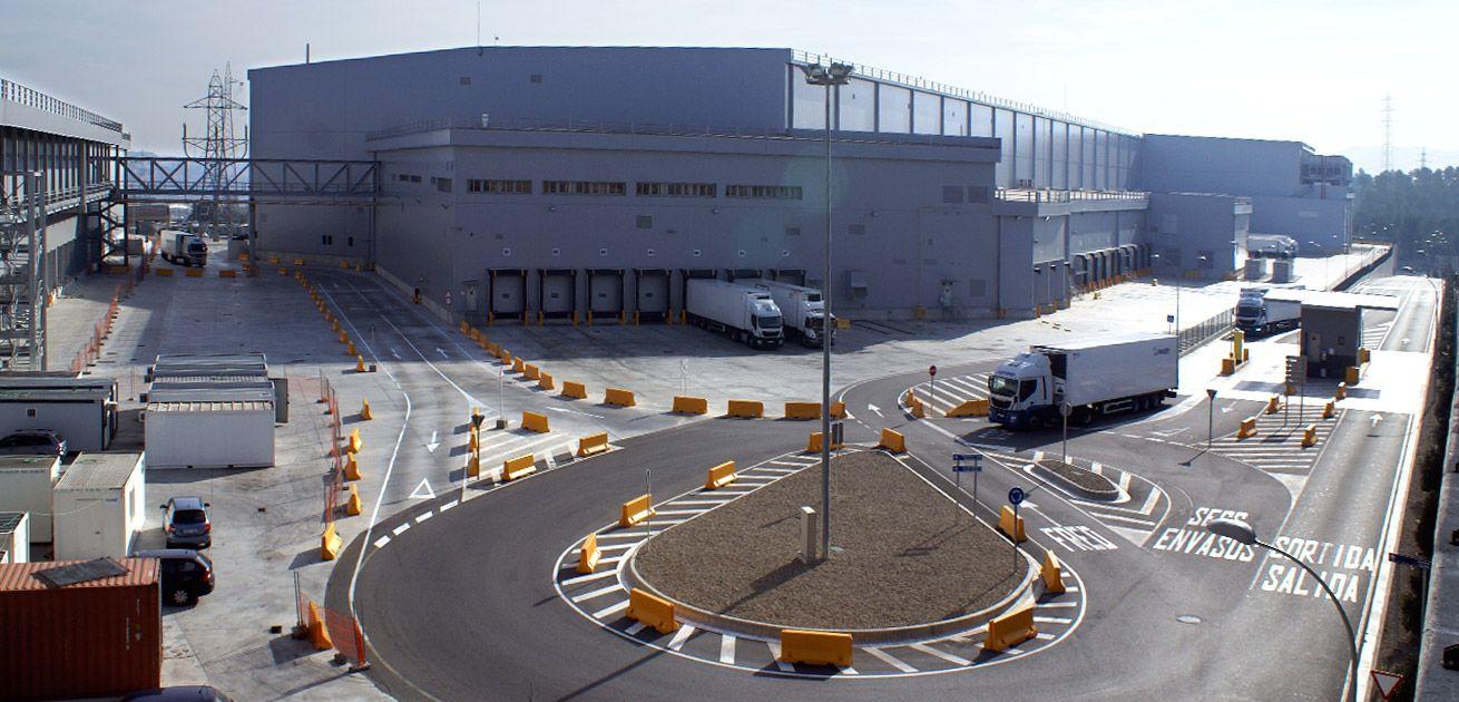 Centro logístico del sector de la alimentación en Abrera