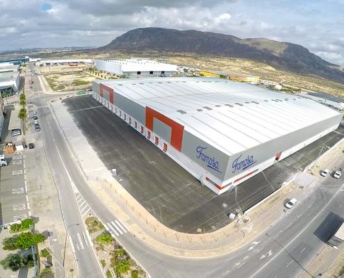 Vista aérea de la plataforma logística de Famosa en Alicante