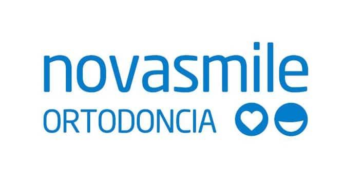 Logotipo de la clínica de ortodoncia Novasmile
